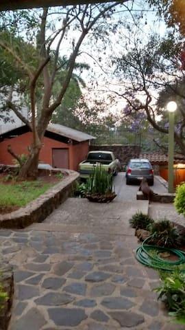 bungalow, jardín, terraza/ alberca, garage - Cuernavaca - Apto. en complejo residencial