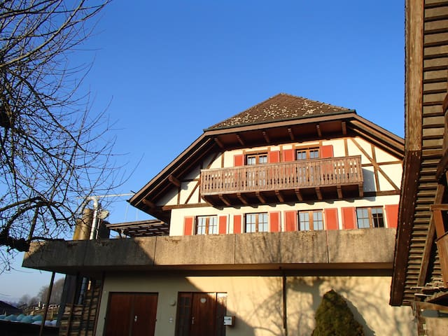 Casa viajeros - Riedtwil - Hus