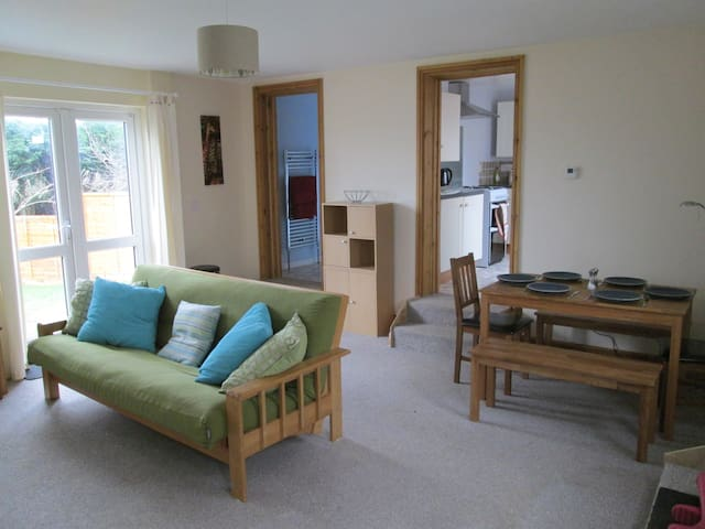 Chy Lowen - family-friendly bungalow with garden - Bodmin - Bungalow