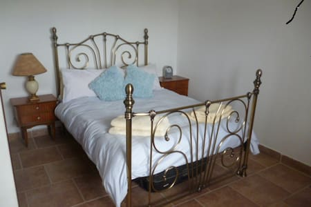 2 Bedroom Apartment with use of Private Pool - Ontinyent - Leilighet