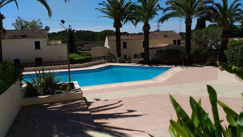 Villa jumelée T3 + parking pour 2 personnes - Mougins - Casa