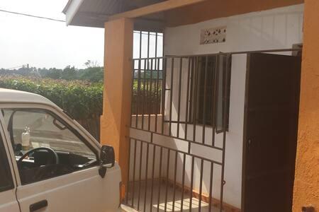 Mengo Bungalow - Kampala