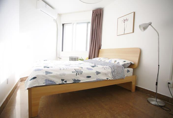 10月可定!三里屯、使馆区、朝阳公园地铁5分钟 阳光卧室Cozy Room of SANLITUN