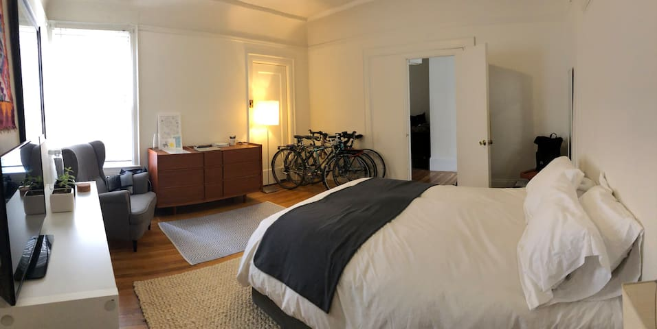 Spacious Bedroom, Sunny Inner Sunset Garden Flat