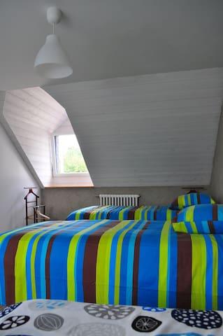 Chambre Europe,  rénovée en matériaux écologiques