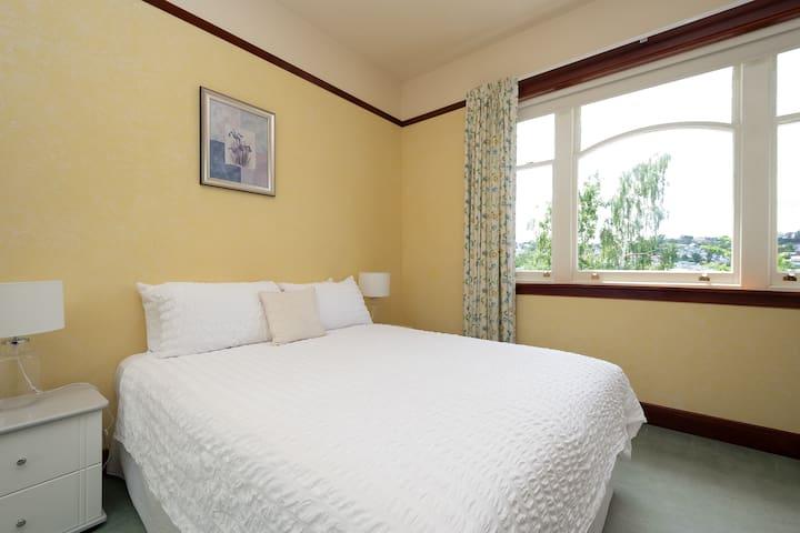 Queen bedroom 3 with comfy clean linens