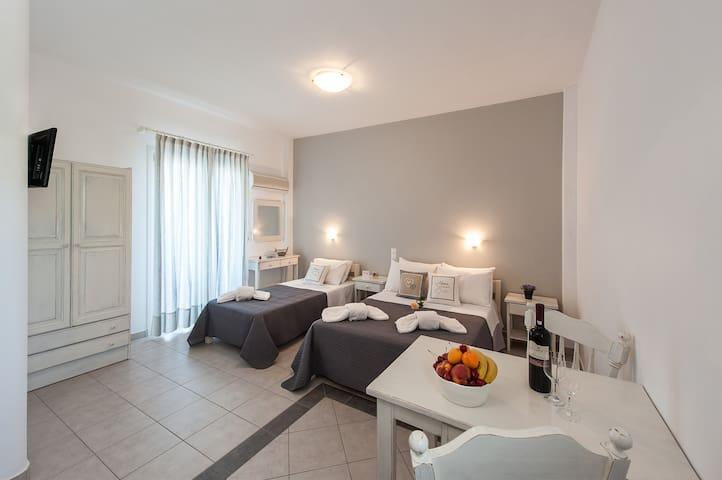 Triple studio με θέα στην θάλασσα - Paros - Apartamento