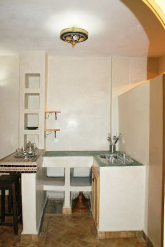 Fully equipped kitchenette, incl fridge, cooker, cutlery, etc.