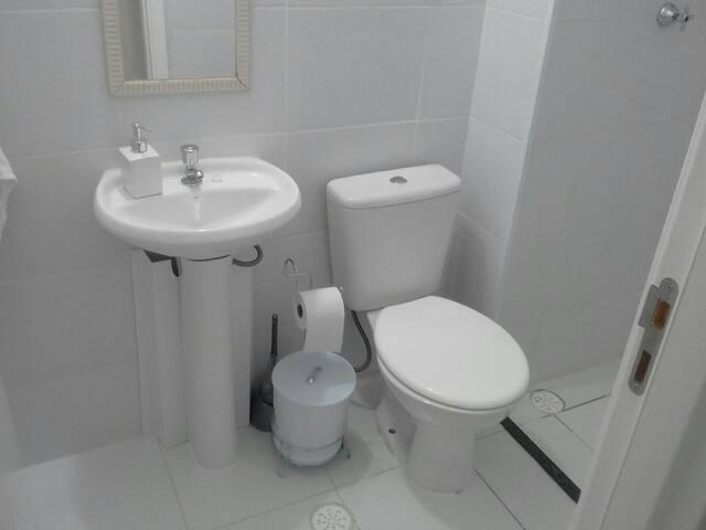Apartamento novo, acochegante e seguro