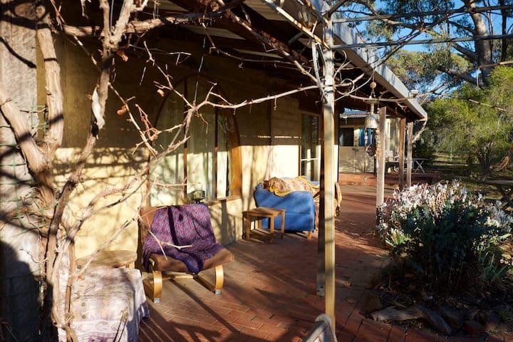 The Bush House - 25 mins to Castlemaine & Bendigo