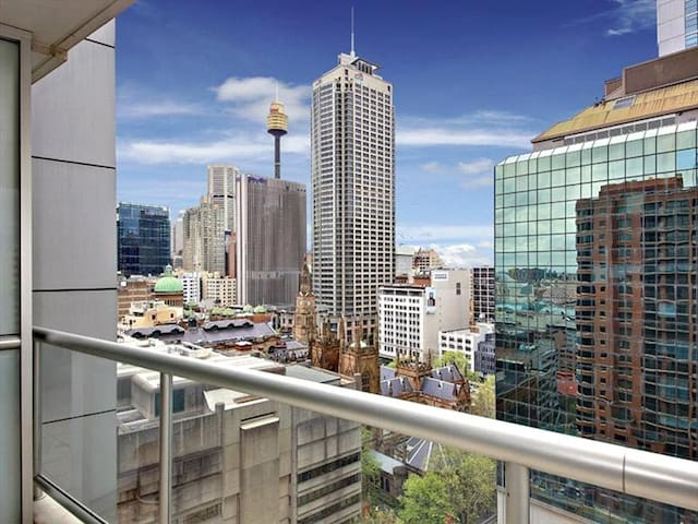 Sydney CBD Kent st 2 Bedroom apartment + balcony