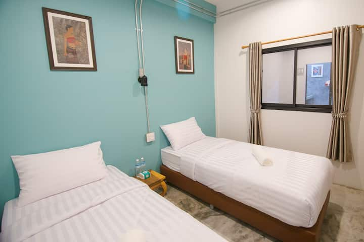 Suree house: PrivateTwo single beds