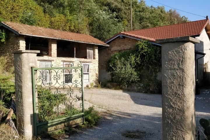 Chambres dans Maison calme en Drome des collines