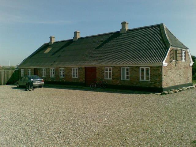 Landsted ved strand og vesterhav - Lemvig - House