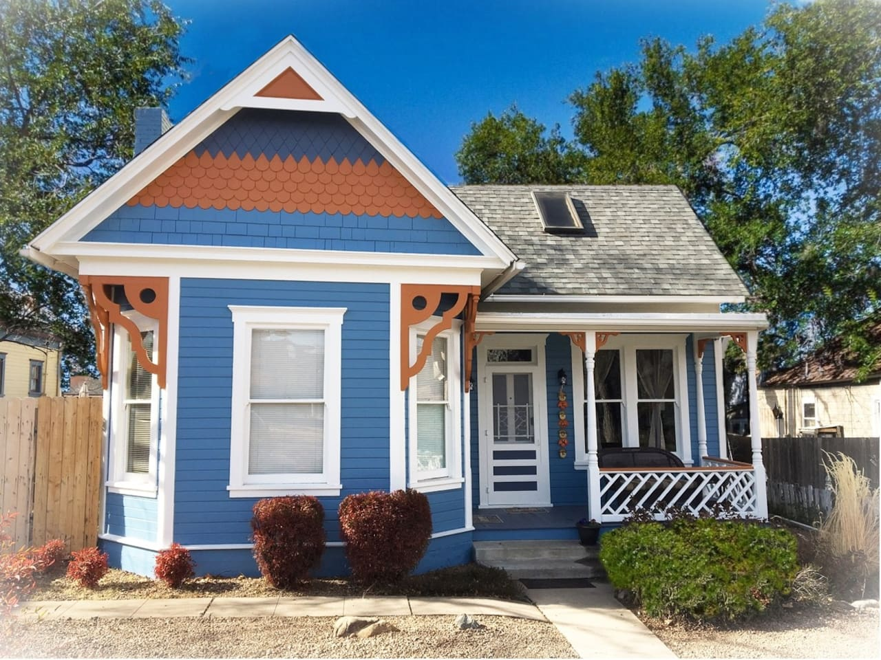 Newly Remodeled Victorian Suites www.PleasantStreetCottages.com