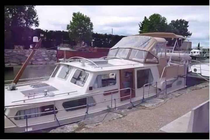 Bateau bord de Meuse