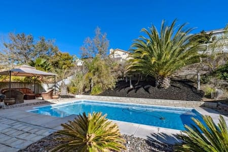Beautiful Pool home in Wine Country - Temecula - Σπίτι