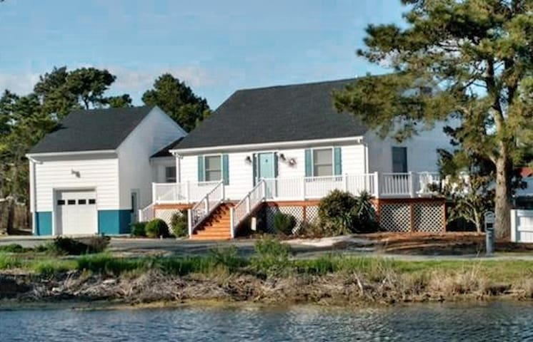 Neversink-Canalfront Home w/ Paddleboards & Kayaks