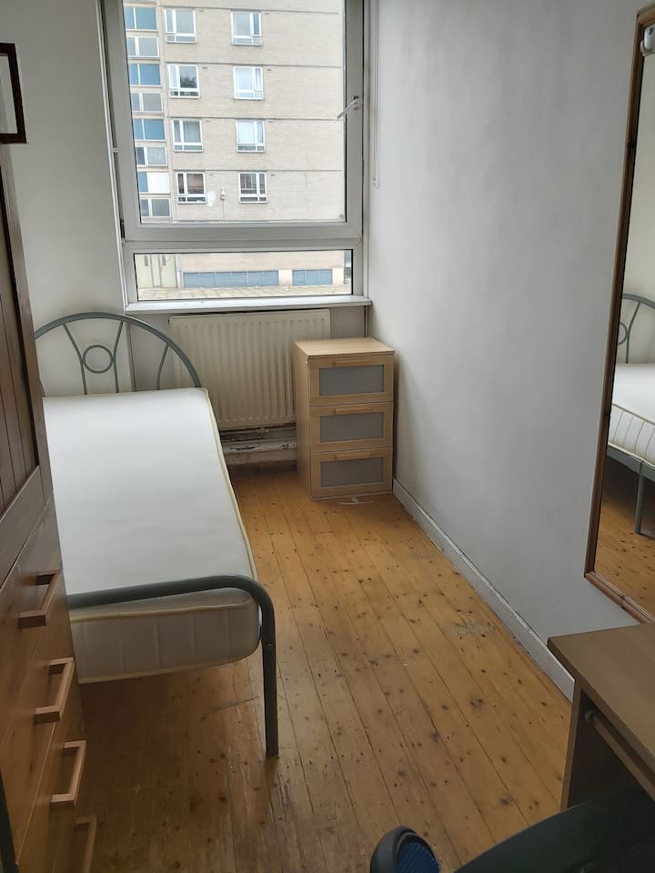 Single budget -room in Regents Park, NW1 3PS