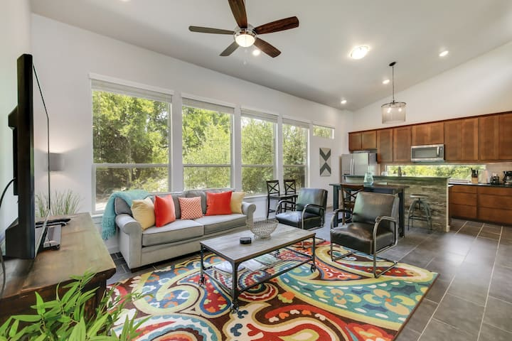 Newly Built Downtown Austin Home w/Hot Tub - Ideal SXSW Location