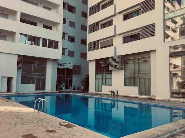Tanger Boulevard appartement vue sur mer .piscine