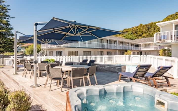 Waterfront apartment with pool - January special