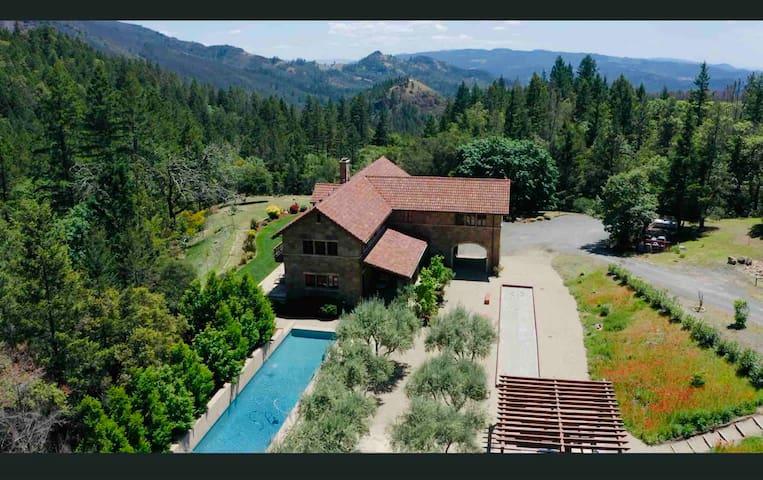 Villa Bellissima Alba - Italy comes to CA
