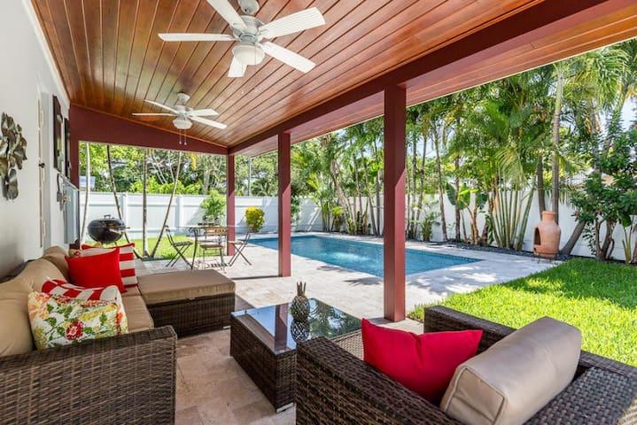 Amazing! Key West Style Home With Pool Near Beach