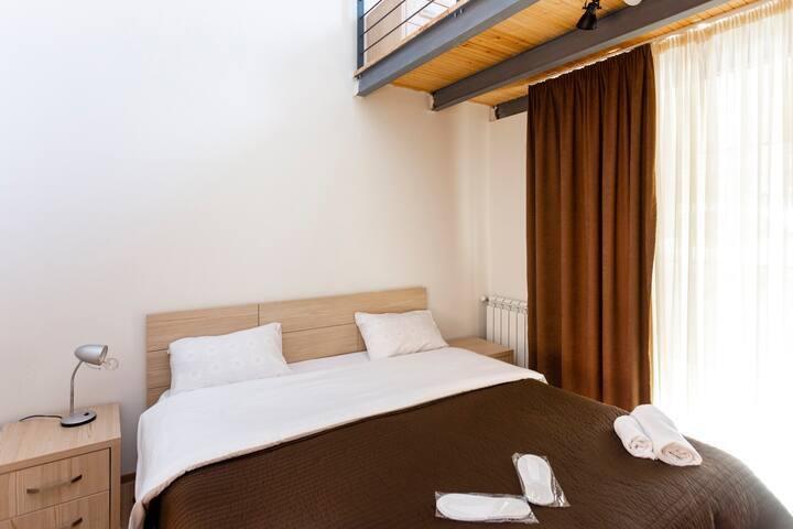 ⁎3BR cottage w/ a huge balcony+ patio near Kokhta⁎