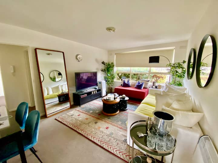 Stunning 2 Bedroom Apt  Wifi, CarPark, Netflix +