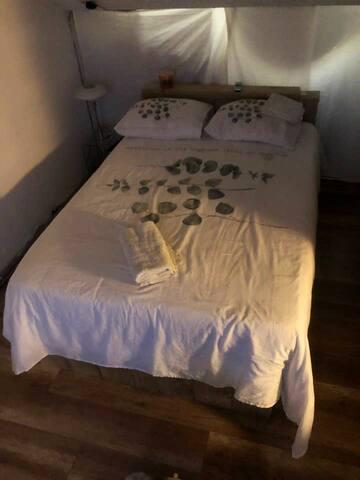 luxury bedroom / studio
