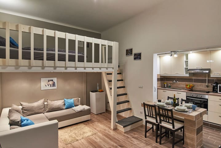 Loft Studio in RUINBAR Quarter A/C
