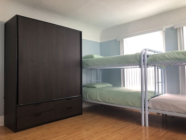 Shared Mixed Room or Females Only Room in MidCity