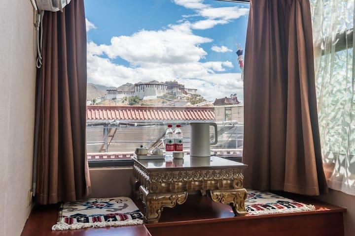 布达拉宫观景大床