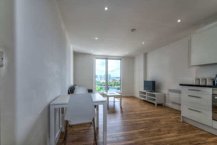Stunning & spacious 2BR apartment in MediaCityUK