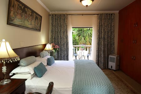 Villa Lugano Guesthouse - Johannesburg South - Bed & Breakfast