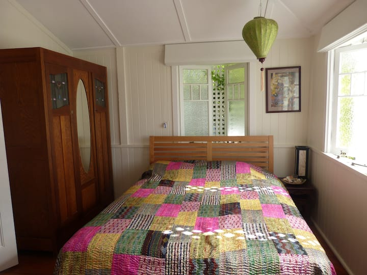 Beautiful room/s in a gorgeous Queenslander!