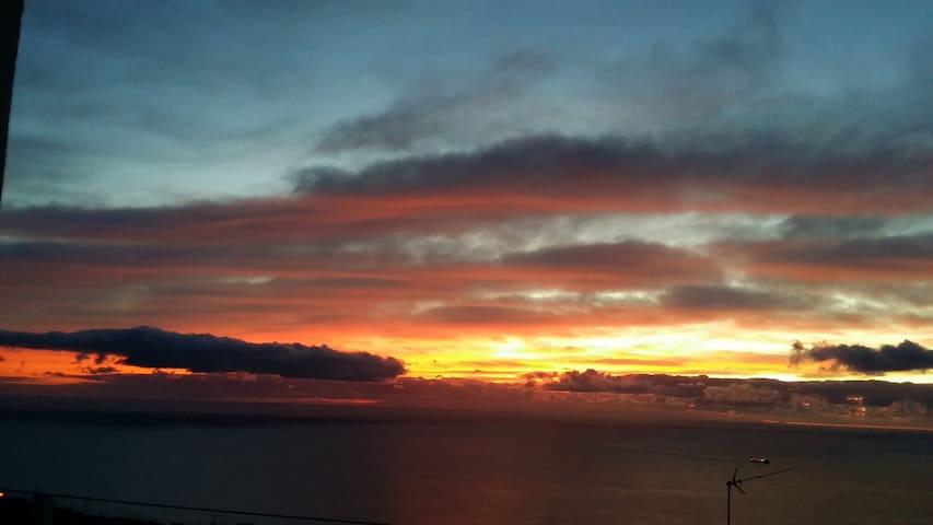 Amanecer - Sunrise - Morgengrauen - Lever du soleil