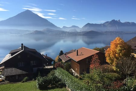 Amazing unforgettable Lake Thun - Merligen - บ้าน