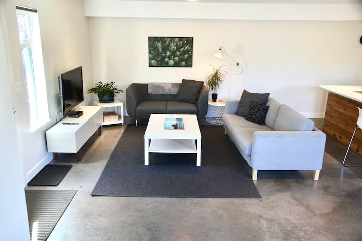 Large Private 2 Bedroom Suite