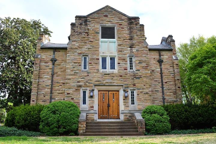 Music Row Historic Suite Haven!