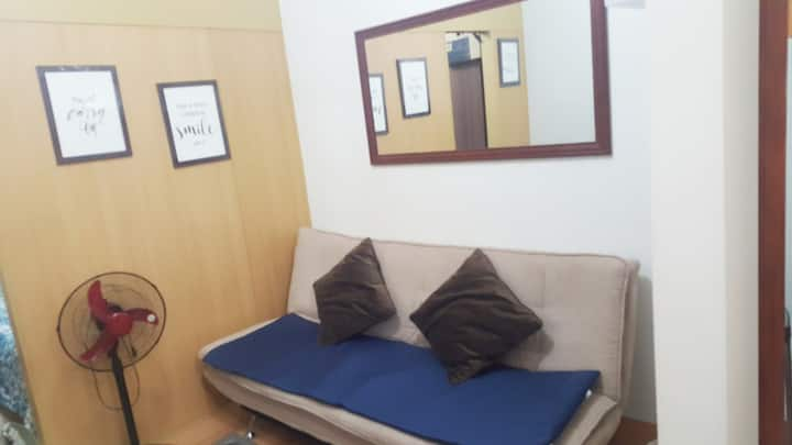 Clean , cozy and fully furnished 1 bedroom space