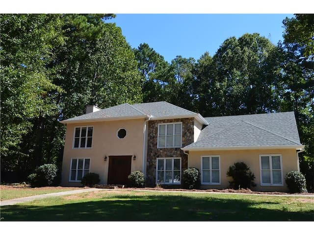 Luxury home in Peachtree City, GA-1 bed 1 bath(2)