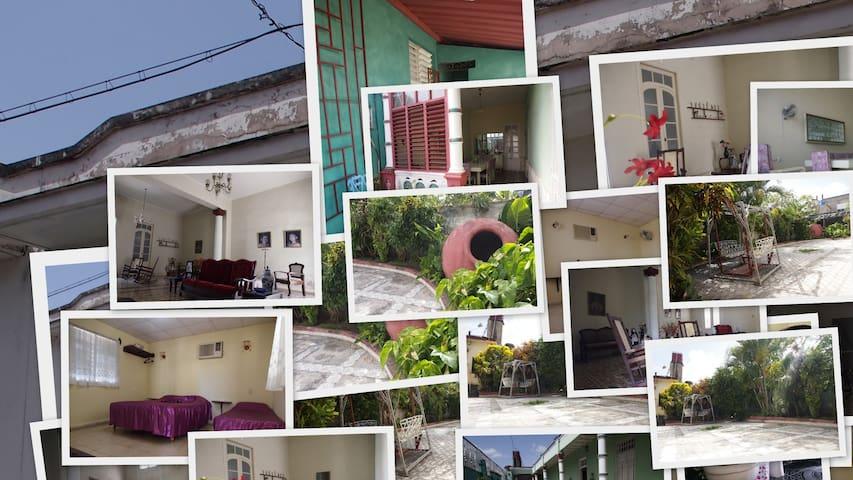"Hostal Flores ""Room 2"""