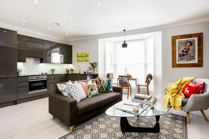 Vogue seaside apartment with unique style - Hastings - Daire