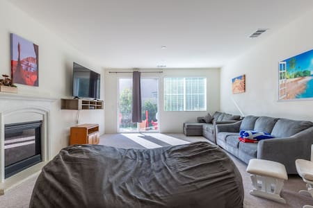 Bedroom for 3 in Sunny California, Great Hiking!