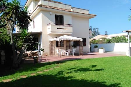 Casa vacanza Santa Maria del Focallo - Santa Maria del Focallo