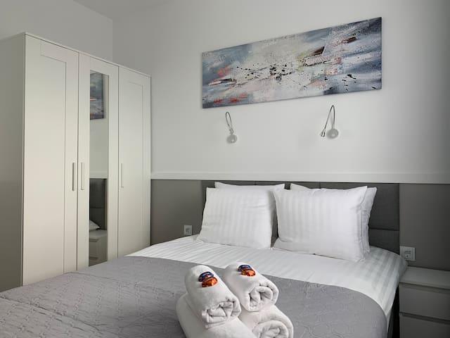 PREMIUM 1 BEDROOM APARTMENT HIGH STANDARD+BALCONY