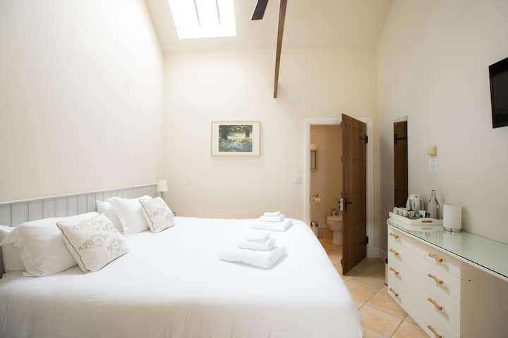 Classic Double/Twin En-suite 4* B&B Accommodation
