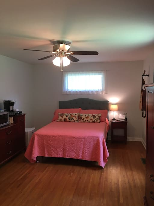 Private Suite In Updated Home Prime Location Bed Breakfasts For Rent In Nashville